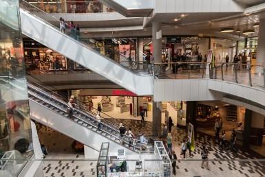 Centros comerciales, Innovación y entretenimiento